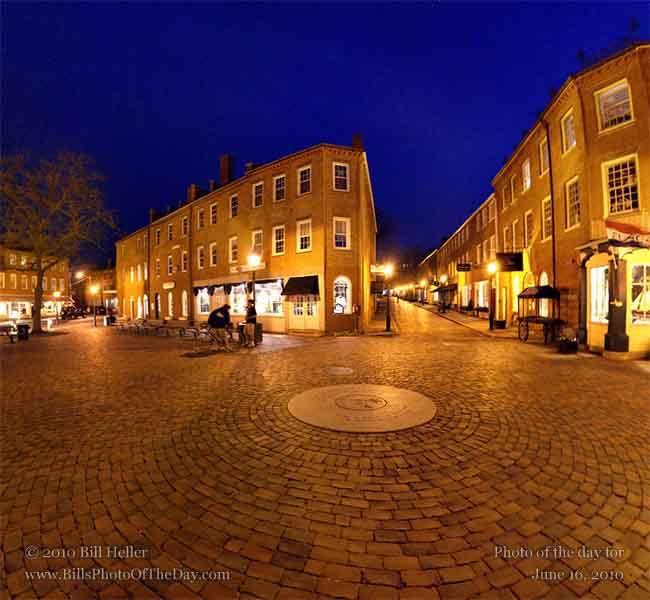 360° view of the Newburyport, Massachusetts town square