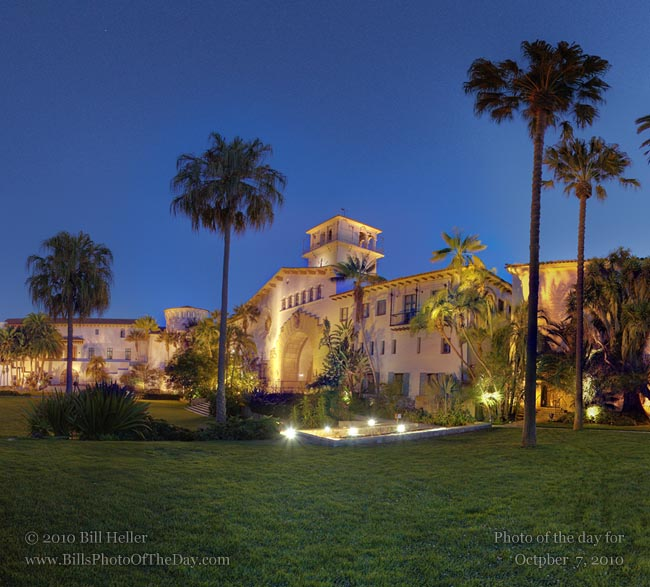 360° view of the Santa Barbara County Courhouse from the Gardens at Night