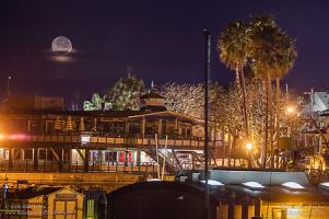 Wednesday, February 10, 2016 - Yacht Club Moonset